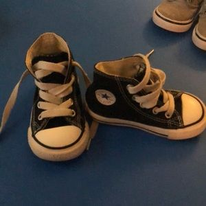 Converse toddler shoes, size 5